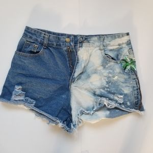 Pants - Bleached Embroidery Shorts
